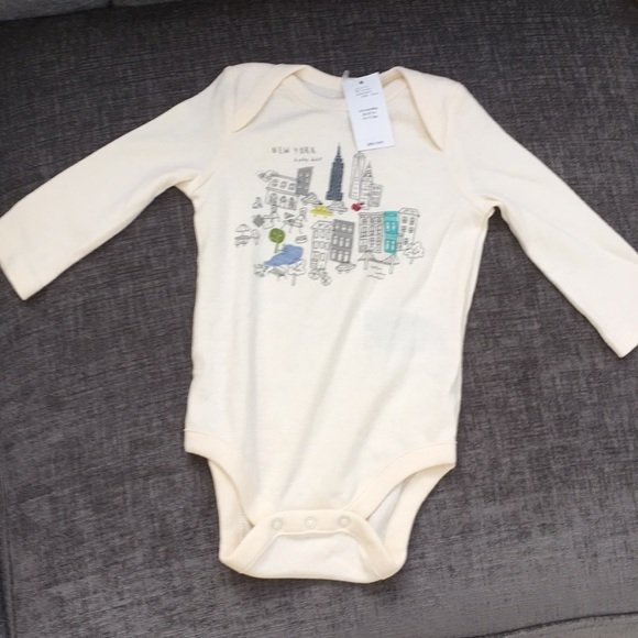 GAP Baby Girls Boys Size 0-3 Months Ivory NYC New York City One-Piece Bodysuit